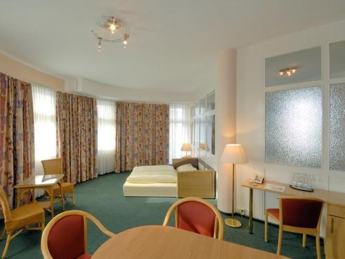 Hotel und Rasthof AVUS photo 4