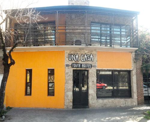 Una Casa Youth Hostel