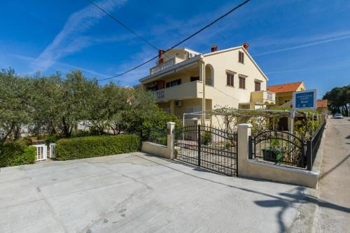 Apartments Mirijana