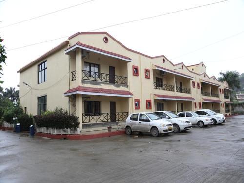 Leo Resorts