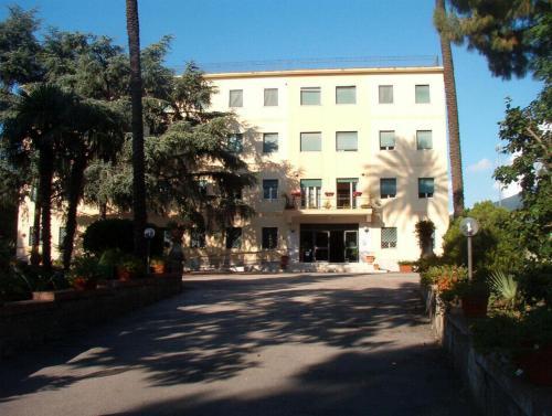 foto Istituto San Camillo (Pollena Trocchia)