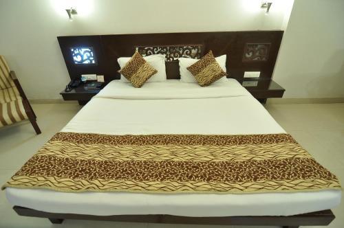 Hotel Venkatesh International front view