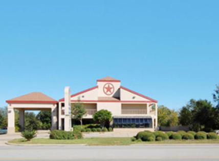 Photo of America's Best Value Inn Sealy Hotel Bed and Breakfast Accommodation in Sealy Texas