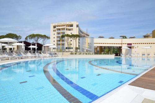 Laguna Park Hotel, 比比翁