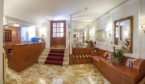 Hotel Modigliani - 2 of 44