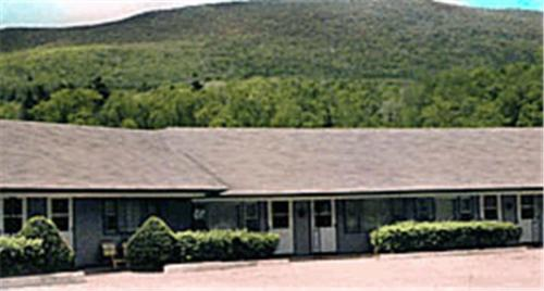 Photo of Candlelight Motel Hotel Bed and Breakfast Accommodation in Arlington Vermont