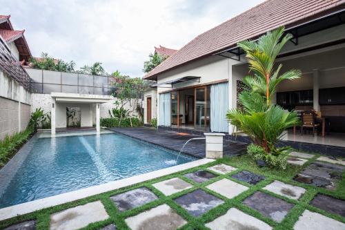 Отель Putri Bali Villa 4 звезды Индонезия