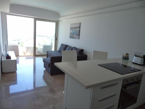 Thalassa Court Sandy Beach Apartment