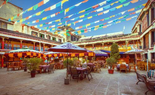 Picture of Lhasa Badacang Hotel