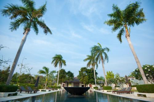 AKA Resort & Spa Hua Hin front view