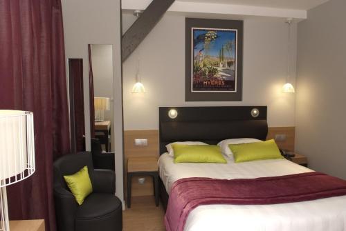 Logis grand h tel des bains h tel 1 place des alli s for Logis hotel meuble emile rey