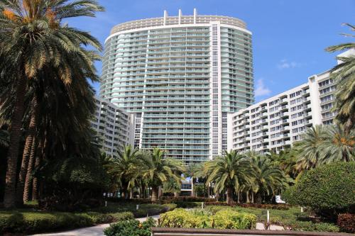 Flamingo South Beach Residence Bay Front