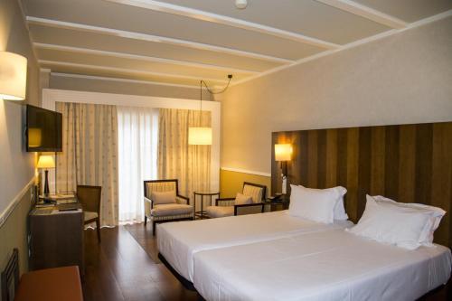 Habitación Doble Estándar - 2 camas Hotel Nuevo Portil Golf 6