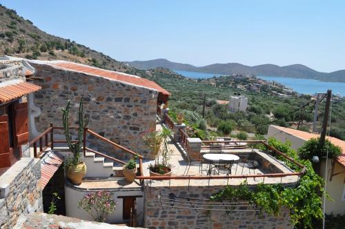 Elounda Traditional Art Suites