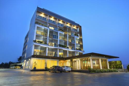 V Hotel Ubon Ratchathani front view