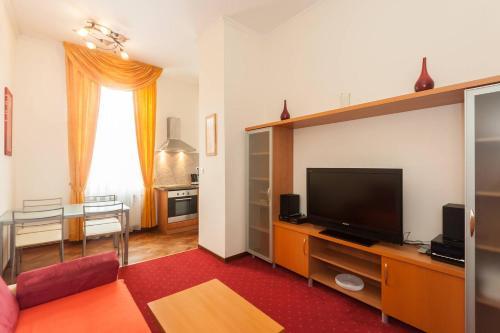 Apartment Koubkova 1848