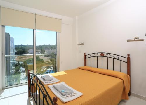 Coralli Arpa Suites Apartments