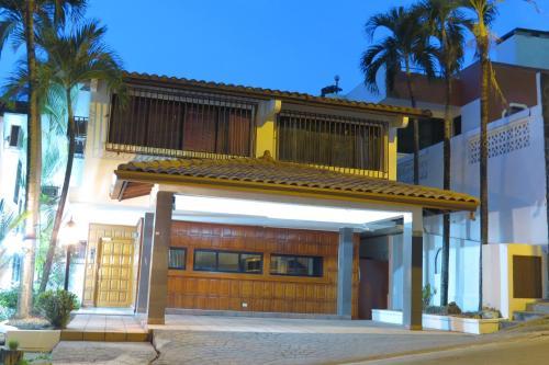 Hotel Carolina Princess front view