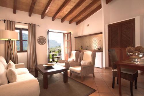 Suite Apartamento de 1 dormitorio con balcón pequeño Hotel Apartament Sa Tanqueta De Fornalutx - Adults Only 2