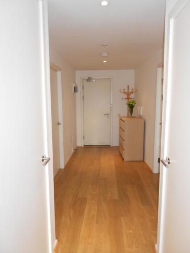 London Winx Apartment - Photo 8 of 30