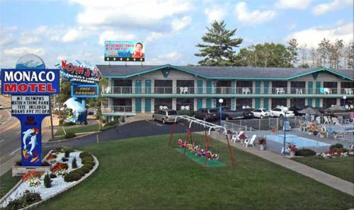 Photo of Monaco Motel Hotel Bed and Breakfast Accommodation in Wisconsin Dells Wisconsin