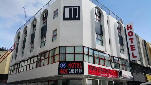 M design Hotel @ Shamelin Perkasa front view