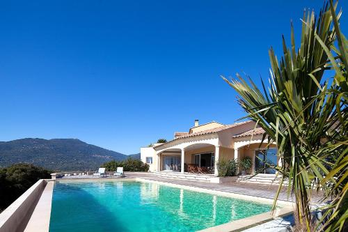 Squarebreak - Villa with Panoramic View