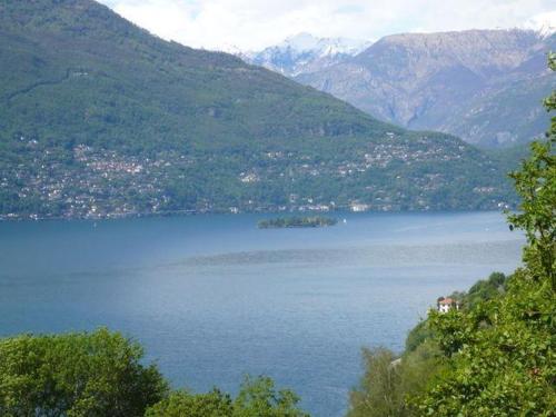 foto Two-Bedroom Apartment in Via dei Castagni (Pino sulla Sponda del Lago Maggiore)