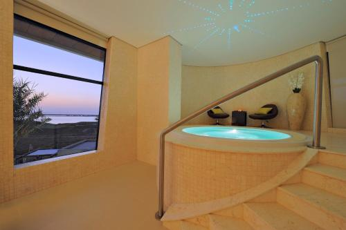 Radisson Blu Hotel, Abu Dhabi Yas Island photo 20