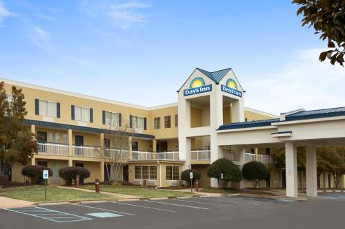 Days Inn Chattanooga/Hamilton Place TN, 37421