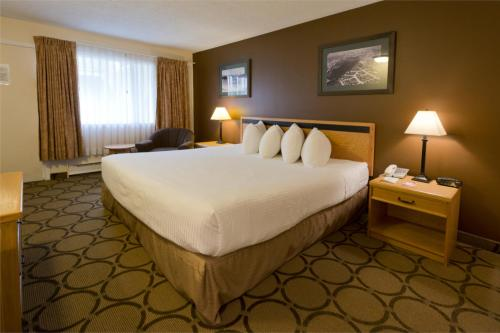 HotelRiviera City Centre Inn, Downtown, Prince George