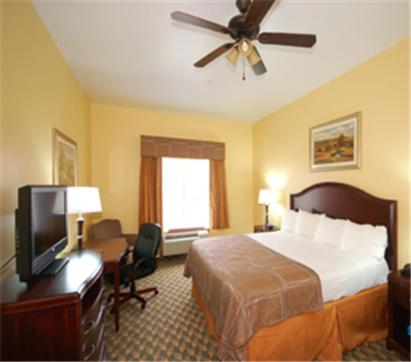 Photo of Best Western Plus Manvel Inn & Suites Hotel Bed and Breakfast Accommodation in Manvel Texas
