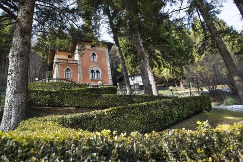 foto Villa Pinetina B&B (Sormano)