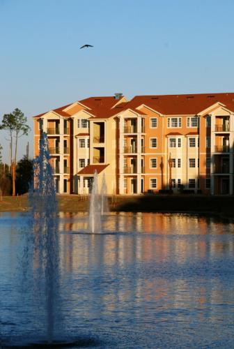 Photo of Bella Getaway Resort Hotel Bed and Breakfast Accommodation in Kissimmee Florida