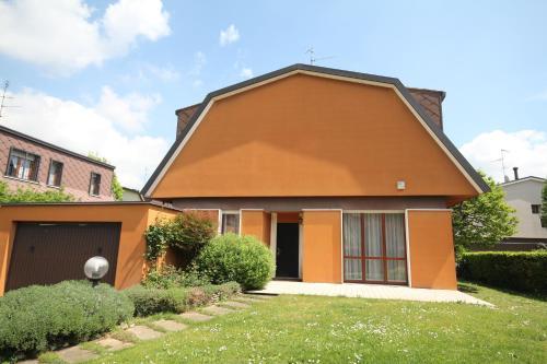 foto Casa Vacanza Campo Gallo (Bollate)