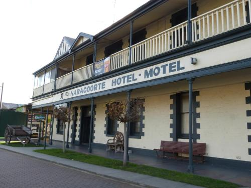 Picture of Naracoorte Hotel Motel