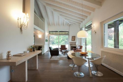 foto Carimate Luxury House (Lentate sul Seveso)