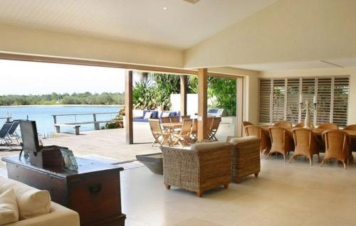 Four-Bedroom Holiday Home 78 Noosa Parade