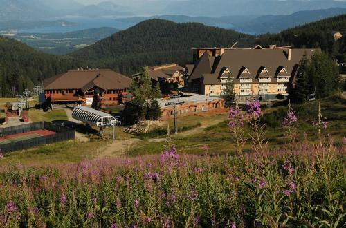 Schweitzer Mountain Resort Selkirk Lodge
