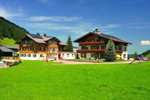 Gästehaus Mathies (Bed and Breakfast)