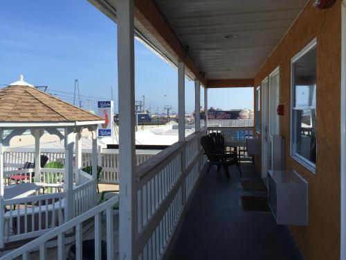 boardwalk hotel charlee apartments seaside heights nj