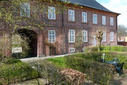 a hotel pelli hof rendsburg by tulip inn rendsburg tyskland online reservation. Black Bedroom Furniture Sets. Home Design Ideas