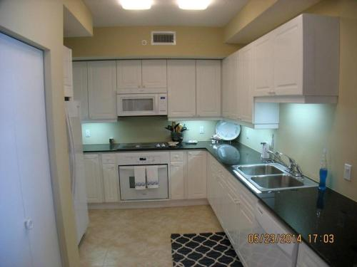 Se alla 18 bilder Beach Colony West - Unit 6D
