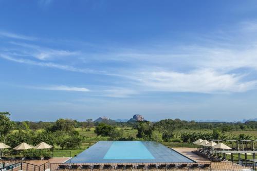 Отель Aliya Resort and Spa
