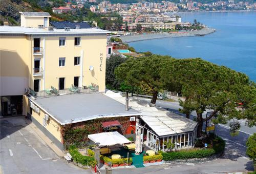 Accommodation in Varazze price inexpensively