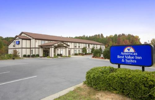 Photo of America's Best Value Inn and Suites Albemarle Hotel Bed and Breakfast Accommodation in Albemarle North Carolina