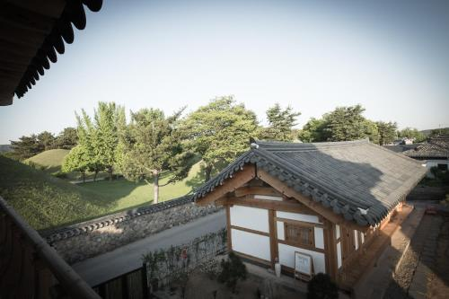 Korean-Style Suite with Garden View