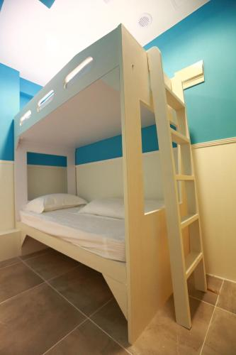 HotelColorZ Hostel