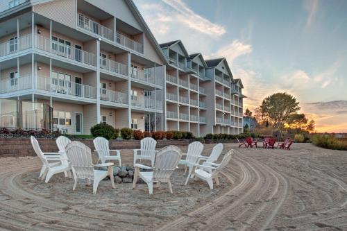 Traverse City Waterfront Hotels