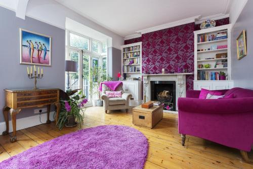 Veeve - House Lammas Park Road - Ealing